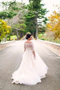 WEDDING DRESS: TARA