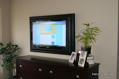 Diy framed tv frame Full of Great Ideas: Picture perfect TV - Flat Screen TV Frame Flat Panel Tv, Flat Tv, Framed Tv, Diy Tv, Wall Mounted Tv, Diy Frame, My Living Room, My New Room, Home Projects
