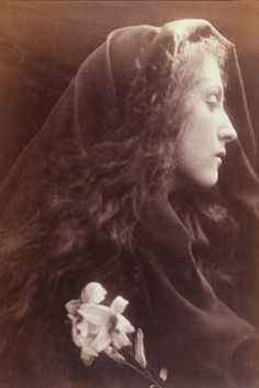 視線 Julia Margaret Cameron, 'The Angel at the Sepulchre', albumen print from wet collodion-on-glass negative, Julia Margaret Cameron Photography, Julia Cameron, History Of Photography, White Photography, Portrait Photography, Classic Photography, Monochrome Photography, People Photography, Vintage Photographs