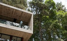 Located on a dense hillside forest in the Santa Rosalía area of Guatemala City, Corallo House by Paz Architectura integrates the existing forest into the layout of the house. It merges nature into the architectural intervention. The design process began with the aim to preserve the existing trees, in order to have the trees interact with the living space. The floor plan is free of columns and the changes in level adapt to the existing topography. Both façades are mostly glass in order to…