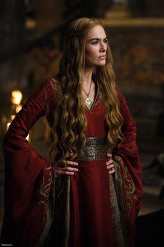 Get the Game of Thrones - Cersei Lannister Costume. You can look like Queen Regent Cersei Baratheon. Find the best Cersei Lannister costume ideas here. Costumes Game Of Thrones, Game Of Thrones Cersei, Game Of Thrones Facts, Got Game Of Thrones, Game Of Thrones Funny, Game Of Thrones Characters, Game Of Thrones Outfits, Game Of Thrones Ending, Game Of Thrones Halloween