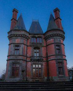 """steampunktendencies: """"Victorian Houses """""""