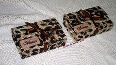 Caixinhas de costura em cartonagem, personalizadas e recheadinhas com linhas, agulhas, alfinetes, botões...ideal para levar na bolsa !