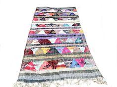 BOUCHEROUITE. Vintage Moroccan Rug. Wool Kilim Boucherouite Carpet. Modern Design.
