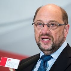 Martin Schulz speaks at a meeting of the SPD's Bundestag fraction in Berlin