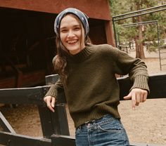 In boucle cotton jersey, the French girl inspired DÔEN Uma Sweater has a flattering fit and mock neck that makes it the perfect layering piece for winter months Mode Outfits, Winter Outfits, Granola Girl, Mode Ootd, Trends, Aesthetic Clothes, Style Guides, Autumn Winter Fashion, Fashion Beauty