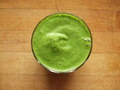 Green smoothie-soy milk, banana, spinach and kiwi  #smoothie #healthy