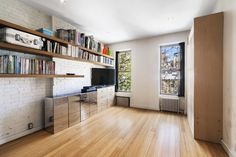 Renovated Chelsea studio with an unusual bathroom situation wants $469K - Curbed NY