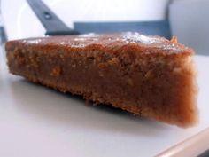 La meilleure recette de Fondant à la crème de marrons! L'essayer, c'est l'adopter! 5.0/5 (21 votes), 42 Commentaires. Ingrédients: 4 oeufs, 500 gr de crème de marron, 125 gr de beurre, 2 cuil à soupe de farine, 1/2 cuil à café de vanille en poudre, 1 pincée de sel, sucre glace pour le décor