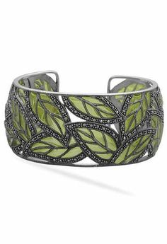 Leafy Bangle Bracelet ♥  I don't normally wear bracelets, but I think I'd wear this one.  Super cute.