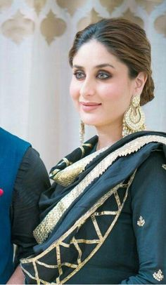 Kareena Kapoor Khan's birthday special: 10 style lessons to learn from this diva Gota Patti Suits, Gota Patti Saree, Bollywood Celebrities, Bollywood Fashion, Bollywood Saree, Bollywood Actress, Indian Bollywood, Indian Designer Outfits, Designer Dresses
