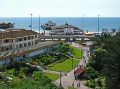 Bournemouth, England - my husband grew up here, beautiful! Sprachreise England, Bournemouth England, Jurassic Coast, Seaside Resort, Vacation Places, London, Great Britain, Beautiful Places, Scenery