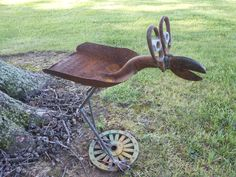 Big eyed bird Bird feeder Rusty Relics Metal Art