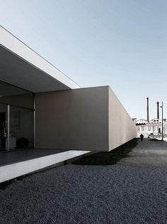 HOTEL & CATERING SCHOOL by EDUARDO SOUTO DE MOURA + GRAçA CORREIA via arcstreet.com