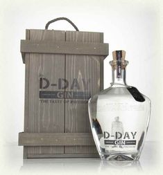 D-Day Gin was create to honour the distiller's grandfather, who served as a British solider during World War II, featuring botanicals from where he fought. Whisky, Alcohol Bottles, Gin Bottles, The Distillers, Premium Gin, Gin Distillery, Champagne Drinks, London Dry Gin, Favors