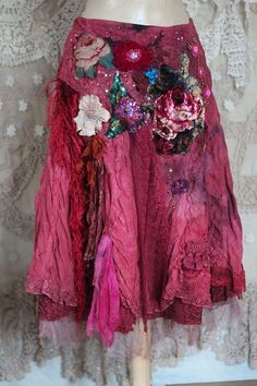 Blossom- embroidered bohemian romantic skirt, antique and vintage lace, silks… Gypsy Style, Boho Gypsy, Bohemian Style, Boho Chic, Boho Fashion, Vintage Fashion, Fashion Outfits, Womens Fashion, Mode Boho