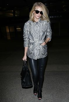 How to Wear Leggings Like a Celebrity This Winter - Rosie Huntington-Whiteley  - from InStyle.com