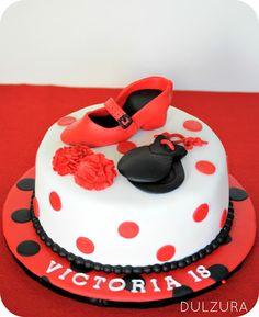 Tarta fondant Flamenca Birthday Brunch, Birthday Cake, Flamenco Party, Cupcakes, Ideas Para Fiestas, Cake Designs, Buffet, Cake Decorating, Food And Drink