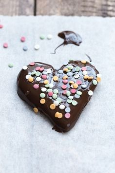 Cookies Make The World Go Round. Because we love ya... download this beautiful photo for free on the Scatter Jar homepage! www.scatterjar.com #food #foodphotography #freestock #freeresource #chocolate #heart #cookie