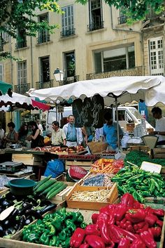 Market, Aix en Provence...Boomer Girls Travel is going there Summer and Fall of 2014.