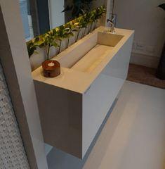 Pia de porcelanato com cuba retangular esculpida Sink, New Homes, Bathtub, Kitchen, Furniture, House Interiors, Home Decor, Bathrooms, Toilet Decoration