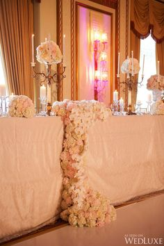 Waterfall wedding headtable
