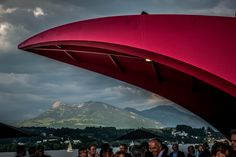 Seerose in Luzern Eventplattform im Rahmen 200 Jahre Gastfreundschaft in der Zentralschweiz. Bucket Lists, Opera House, Places To Visit, Architecture, City, Building, Travel, Lucerne, Arquitetura