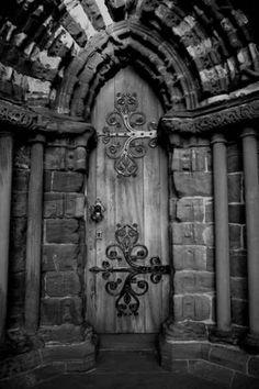 Very ethereal door!