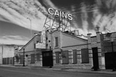 Cain's Ballroom.  It was amazing seeing you play there, just three rows away from Zac and his lovely new drum set.