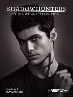 Matthew Daddario in Shadowhunters: The Mortal Instruments Alec Lightwood, Jace Wayland, Shadowhunters Tv Series, Shadowhunters The Mortal Instruments, Matthew Daddario, Fan Fiction, Pretty Little Liars, Alec And Jace, City Of Angels