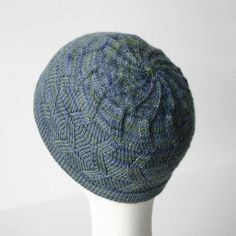 Zigzag swirl knit hat pattern $3.50