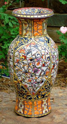 Pique Assiette Vase by Jacqueline Iskander, via Flickr
