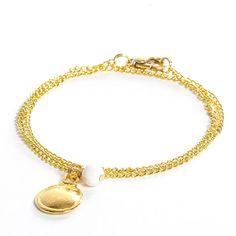 Anleitung für ein zartes Armband mit Swarovski Crystal Pearls, Metallanhänger und Gliederkette von Glücksfieber.