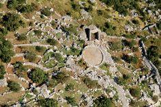 Dalmatian hinterland- old farmer village ruins
