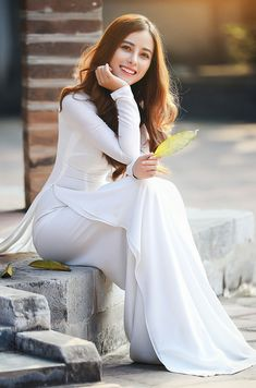 Best 12 All sizes Vietnamese Traditional Dress, Vietnamese Dress, Traditional Dresses, Beautiful Girl Image, Beautiful Asian Women, Beautiful Indian Actress, Hijab Evening Dress, Student Fashion, Ao Dai