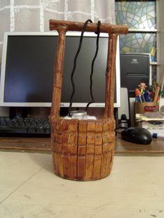 Como hacer un pozo miniatura con pinzas de madera 1 de 2.