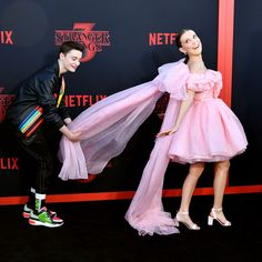 "Millie Bobby Brown Photos – (L-R) Noah Schnapp and Millie Bobby Brown attend the premiere of Netflix's ""Stranger Things"" Season 3 on June 2019 in Santa Monica, California. – Premiere Of Netflix's ""Stranger Things"" Season 3 – Arrivals Netflix Stranger Things, Stranger Things Actors, Bobby Brown Stranger Things, Stranger Things Aesthetic, Stranger Things Season 3, Stranger Things Funny, Eleven Stranger Things, Stranger Things Premiere, Millie Bobby Brown"