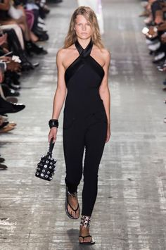 Alexander Wang SS17 @NYFW /via Madame Figaro One of the few ways I'd wear black-on-black-on-black-on-black