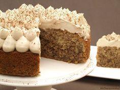 Tarta de café y nueces Sweet Recipes, Cake Recipes, Dessert Recipes, Great Desserts, Delicious Desserts, Food Cakes, Cupcake Cakes, Cupcakes, Bolo Cake