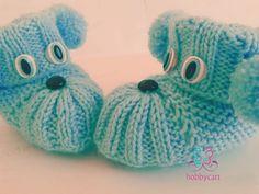 Köpüş bebek patikleri Baby Knitting Patterns, Knit Baby Dress, Knitted Baby Clothes, Knitted Booties, Knit Shoes, Baby Uggs, Baby Boots, Crochet Baby, Baby Shoes
