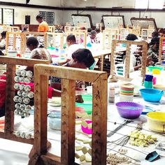 Kazuri Bead factory - They make beautiful clay bead jewelry and support locals by only hiring disadvantaged members of the community🔸🔹🔶🔹🔸 #beads #jewelry #nairobi
