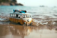 By Kim Leuenberger Micro Photography, Miniature Photography, Creative Photography, Amazing Photography, Travel Photography, Van Hippie, Cool Pictures For Wallpaper, Miniature Cars, Mood Images