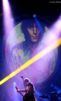 Syd Barrett! grande entre los grandes.