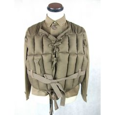 Kokkado: Pilot at earlier period of Japanese Navy life jacket model Navy flying corps life jacket high quality copy Vintage Sailor, Navy Life, Fun World, Vintage Japanese, Vest Jacket, Mens Suits, Work Wear, Winter Jackets, Vintage Fashion