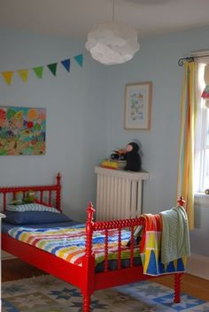 toddler bed - bright