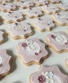 100th birthday cookie collection #vintage #vintagestyle #100thbirthday #telegramfromthequeen #century #birthdays #birthdaycookies #cookies #celebrations #theprettysugarcakecompany #ripponden #