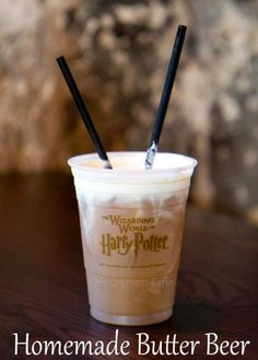 This was one of the best parts of Harry Potter World! Homemade Butter Beer Ingredients: 1 quart vanilla ice cream cup butterscotch syrup 32 oz cream soda cup ice Directions: Place ice cream, ice, butterscotch and cream soda in a blender. Mix un. Non Alcoholic Drinks, Fun Drinks, Yummy Drinks, Beverages, Drinks Alcohol, Party Drinks, Cocktails, Refreshing Drinks, Think Food