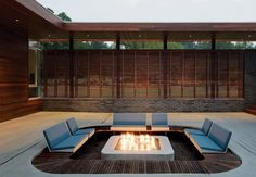 jardines pozo de fuego listones madera patio