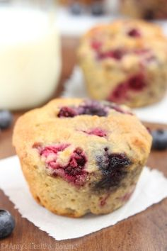 Any way you bake 'em—they're satisfying AF. #healthy #muffin #recipes https://greatist.com/eat/healthy-muffin-recipes