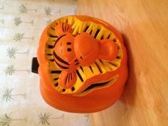 Disney Pumpkin Carving, Terracotta Plant Pots, Pumpkin Painting, Pooh Bear, Eeyore, Painted Pumpkins, Cute Halloween, Thanksgiving Decorations, Grandchildren